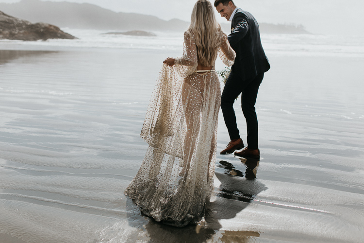 tofino elopement on the beach